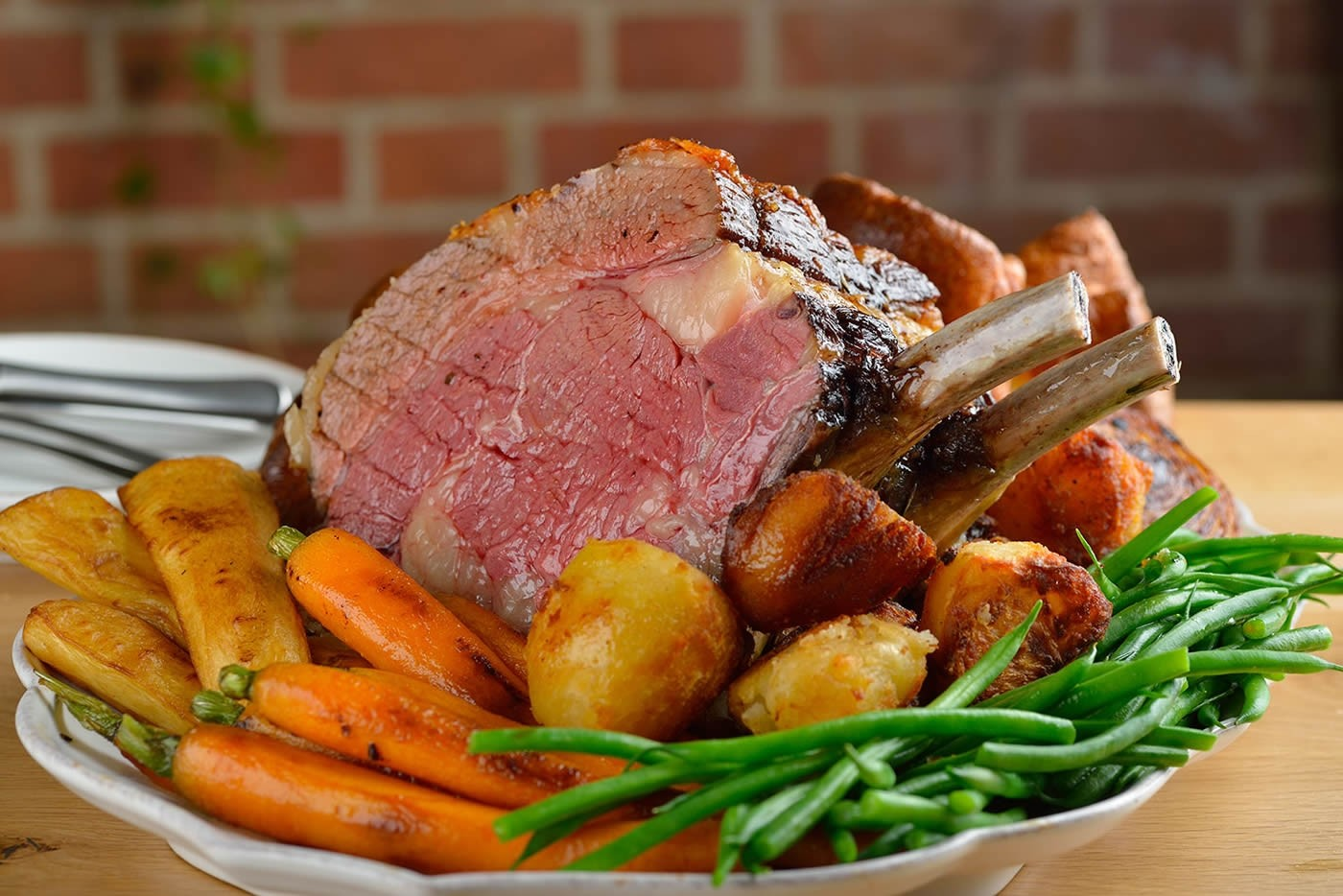 Sunday Lunch, St Albans Hemel Hempstead Hertfordshire at Centurion Club are a perfect way to spend a relaxed afternoon with the family